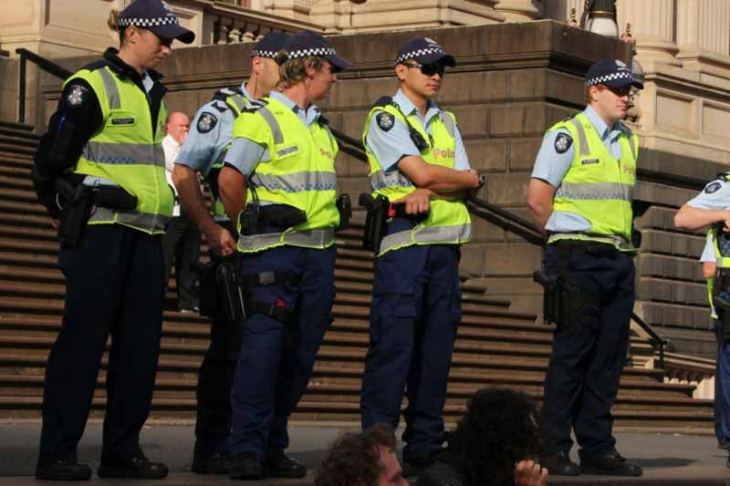 Victoria Police invests in police technology and rolls out trial on body worn cameras