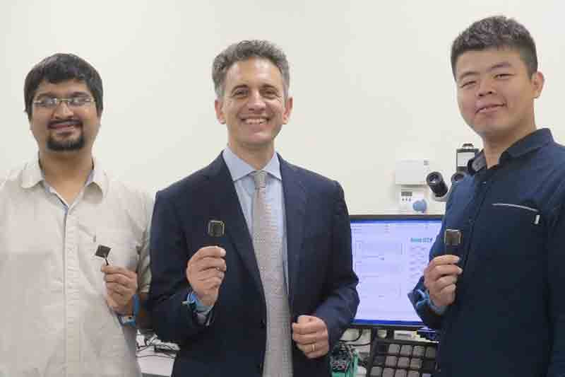 NUS engineers invent BATLESS microchip that helps IoT devices achieve battery indifference