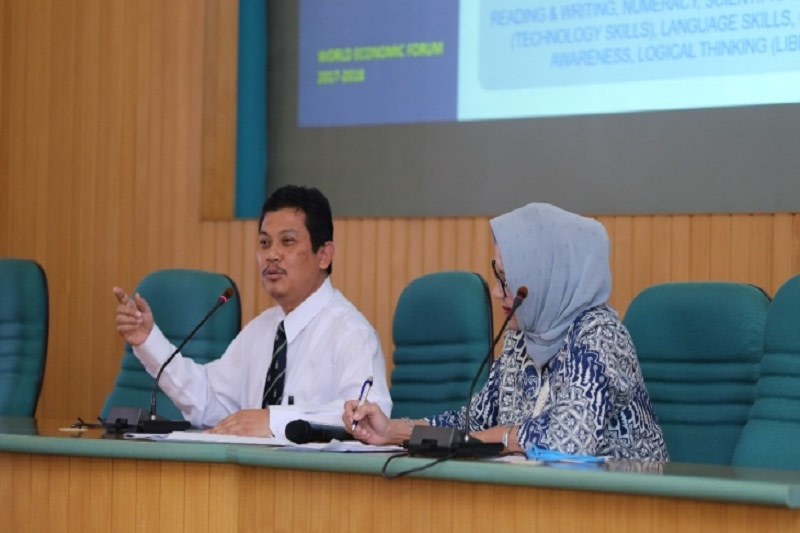 Indonesia encourages higher education to develop online learning to keep up with Industry 4.0